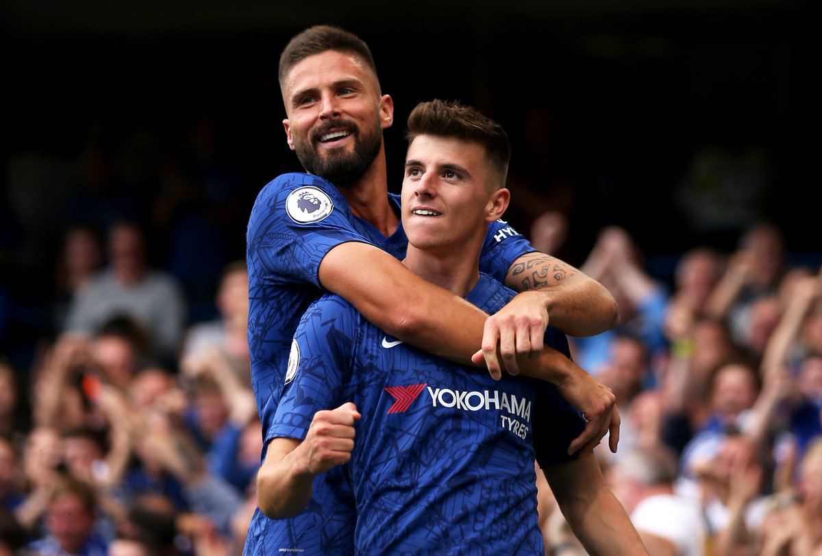 Chances created in the first half at Stamford Bridge:  Olivier Giroud: 3 Every other player combined: 1  The ultimate link man. ⛓
