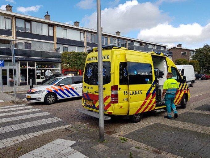 Aanrijding letsel Poeldijk Jan Barendselaan. Kop staart 3 voertuigen  2 personen in ambulance nekletsel. https://t.co/3vM0MUmzAB