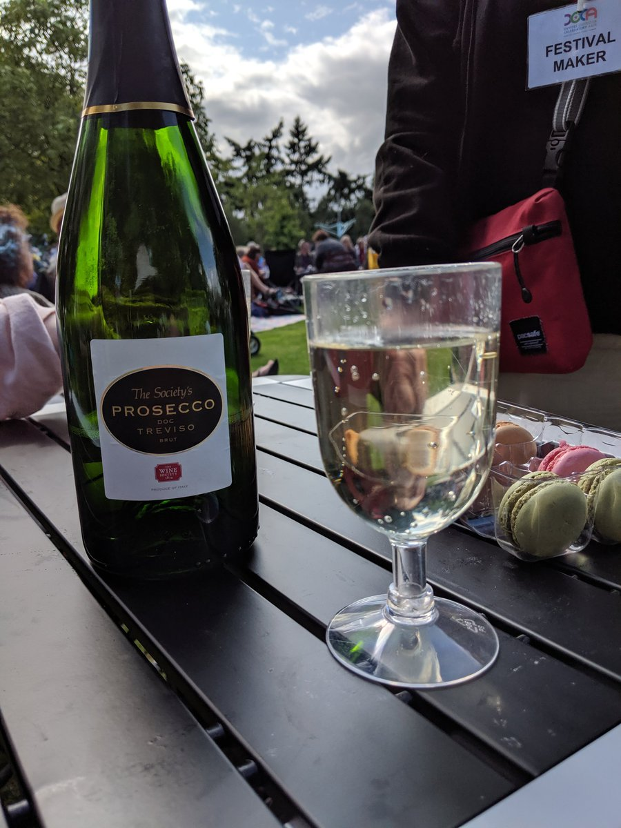 A perfect bottle for more picnics this #bankholidayweekend! Snap up some of our Prosecco here: https://t.co/qxLz7CgHk8