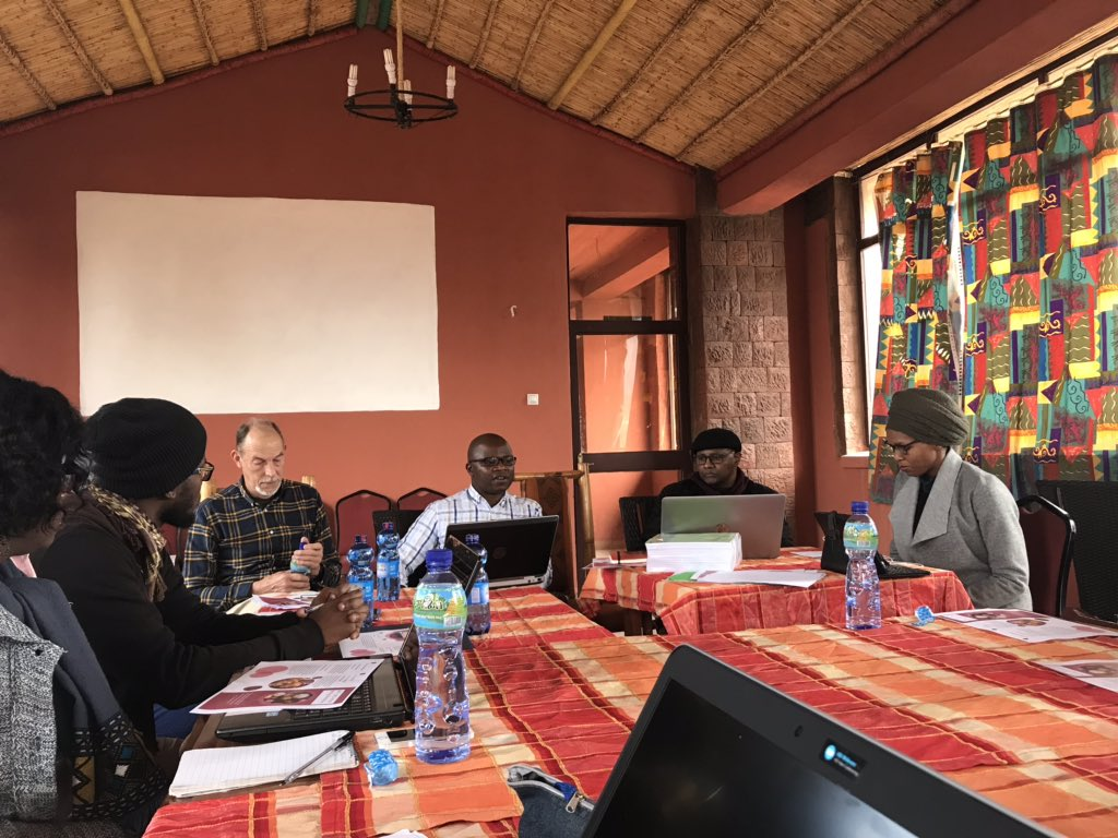 .@G_A_Musil: What happens when we look at the African academy as a resource, where we can all rely on each other for resources already present at this table, rather than as a deficit? #EALCS19 #AHPJACS workshop in Lalibela fascinated by @AfricaJacs @EALCS_Journal editors & others<br>http://pic.twitter.com/fzuXCssOD0