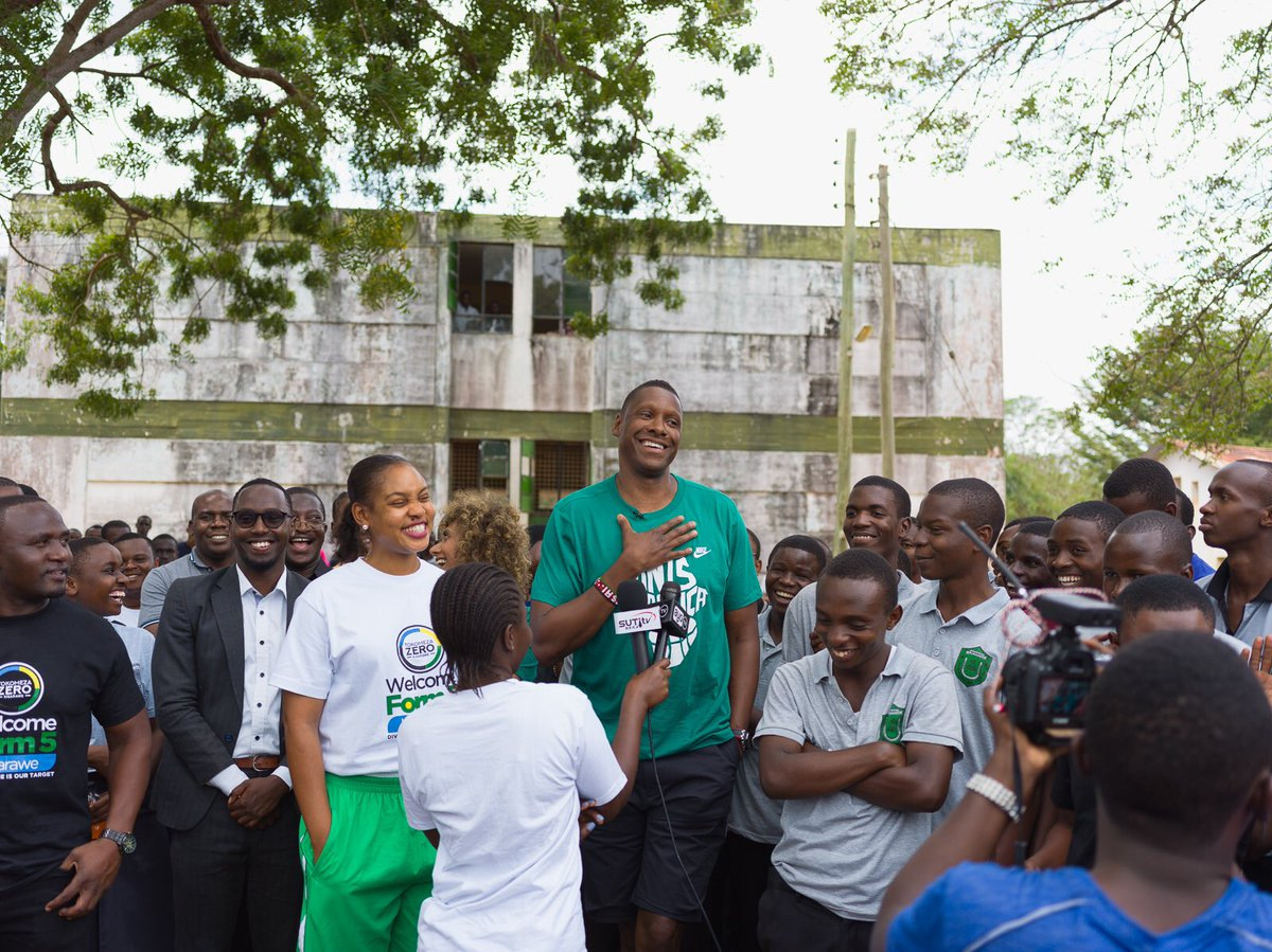 Giants of Africa had a chance to meet with the students of Minaki secondary school in Kisarawe. This included inspirational talks, Q&A and an exhibition game #Tanzania