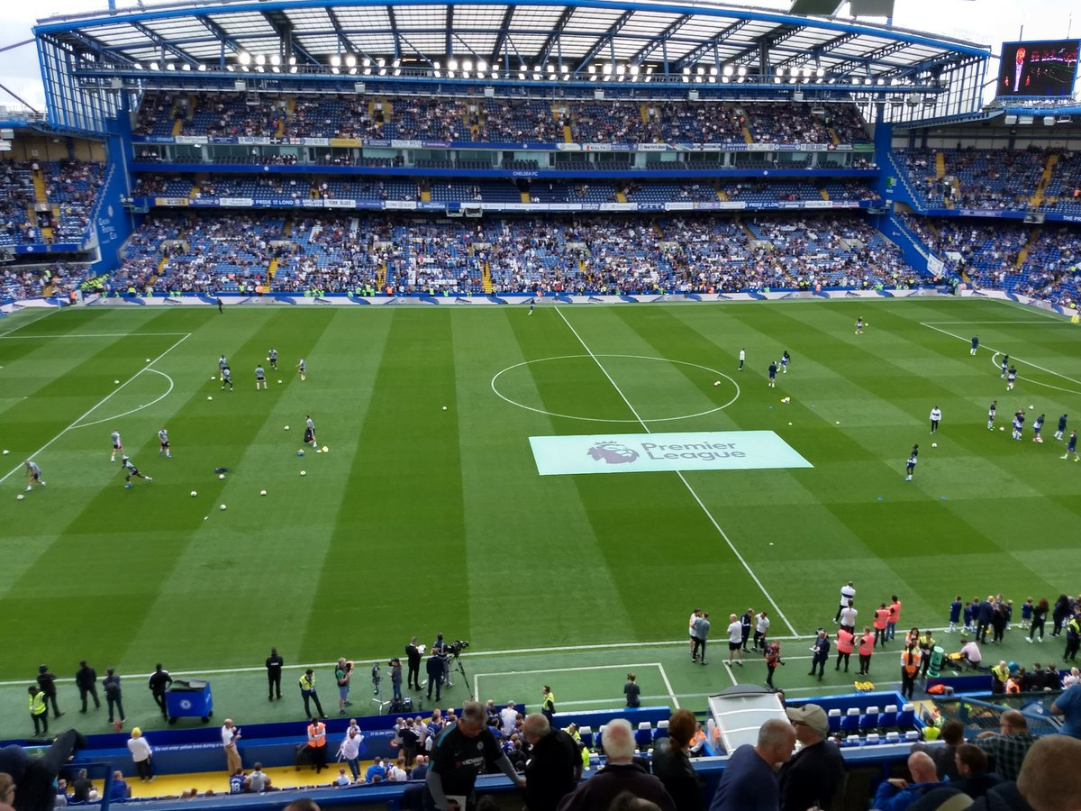 #Welcomehomefrank Great to be back at the Bridge for the first home game of the season! Cmon the Chels! 😄⚽🍻💙 @ChelseaFC #CHELEIC