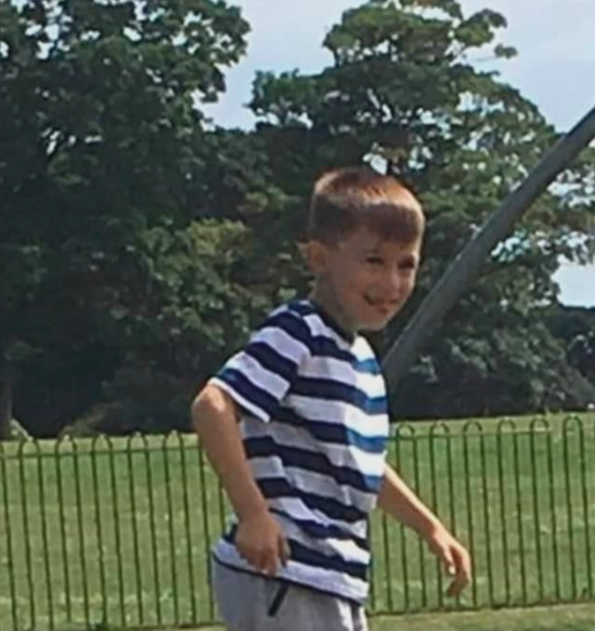 Specialist search teams are using sonar equipment to search a section of the #RiverStour near #Sandwich in #Kent for missing six-year-old Lucas Dobson. Latest here: itv.com/news/meridian/…