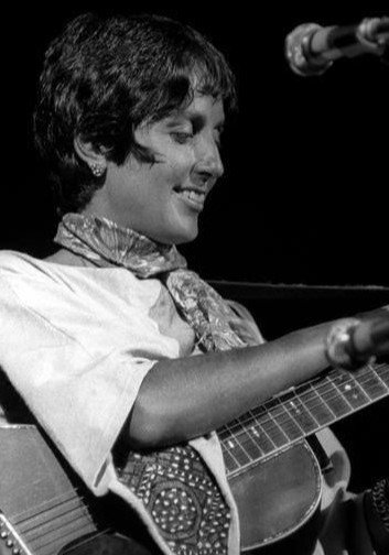#Woodstock, the 4-day music festival held in the fields of Yasgur's Farm, came to a close #OTD in 1969. #JoanBaez was the last act to perform on the festival's first day. We found Joan, age 11, in our ship arrivals on the Queen Mary in 1952 http://bit.ly/2TEKMCa (line 10).