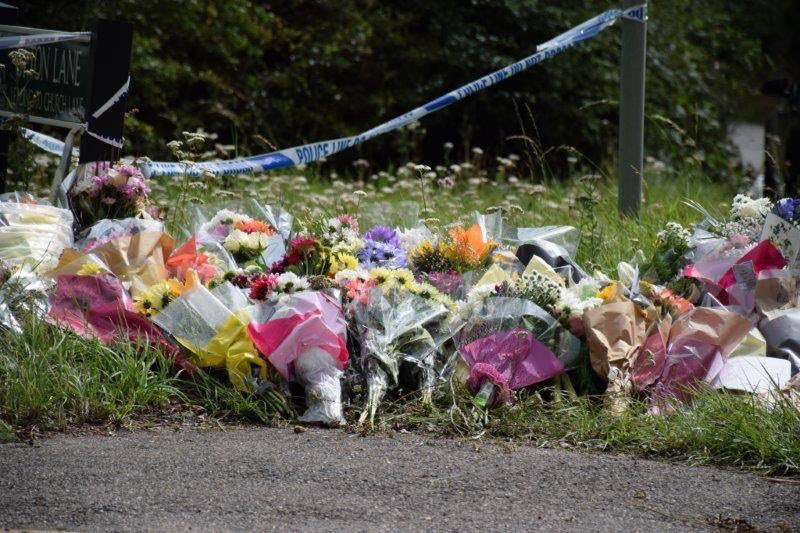 Tributes and flowers are being left in memory of PC Andrew Harper. Friends, family and colleagues of PC Harper have laid flowers at the scene in Sulhamstead. We want to sincerely thank everyone for their messages of support following Thursday's tragic events.