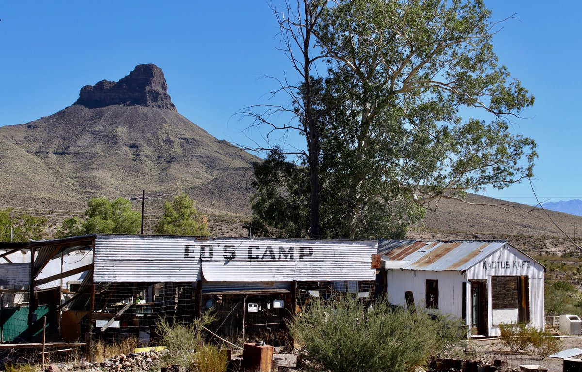 Ed Edgerton opened Ed's Camp in the 1920s on #Route66 about 20 miles west of Kingman on the road to Oatman. The highway was rerouted in 1952 and Ed's Camp faded as a tourist camp.  http://www. ontheroadarizona.com/oatman.html    <br>http://pic.twitter.com/RrrD90WyrP