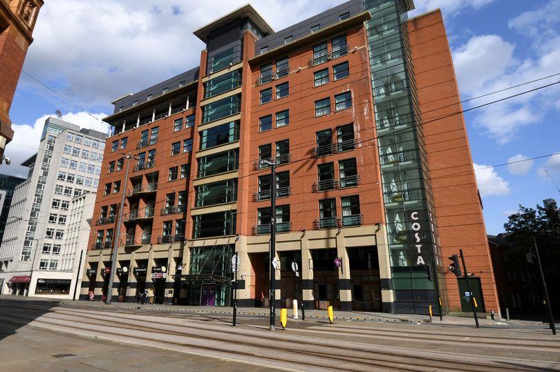 Body of teenage girl found in Manchester city centre hotel itv.com/news/granada/2…