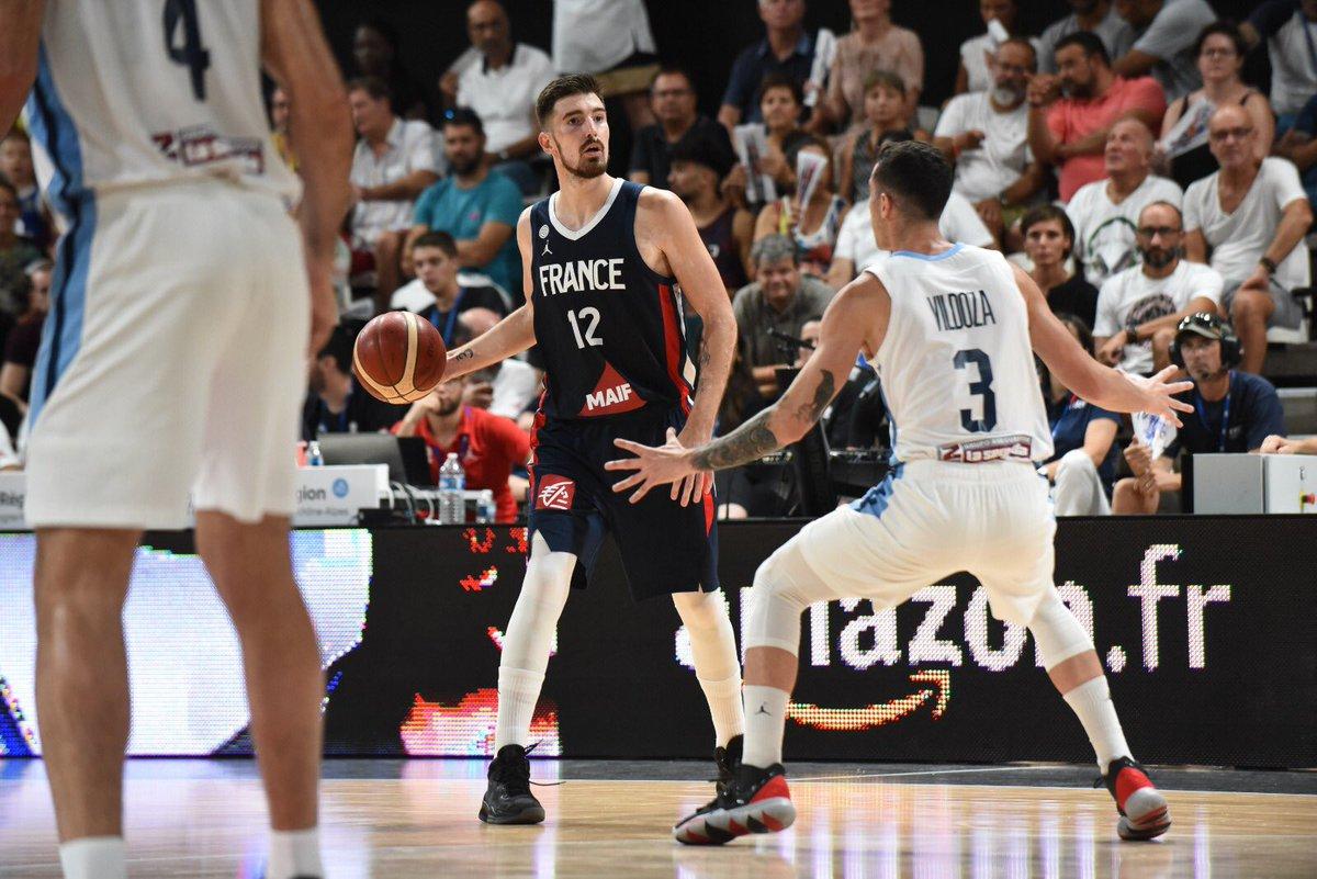 3 matchs - 3 victoires 👏🏻 🇲🇪 🇧🇷 🇦🇷  Gardons en tête notre objectif et continuons d'avancer ensemble... 🏀🇫🇷 #TeamFranceBasket #Lyon  🔜 #FIBAWC2019 🇨🇳