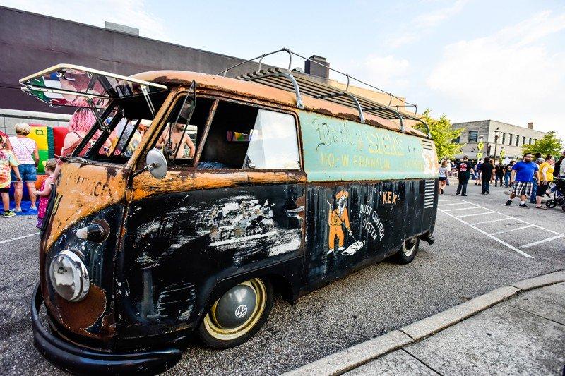 PHOTOS: #Middletown's Broad Street Bash celebrates 50th anniversary of #Woodstock https://www.journal-news.com/news/photos-middletown-broad-street-bash-celebrates-50th-anniversary-woodstock/mcyETAmwTExiM6iYSeknGL/… @CityMiddletown @NickGrahamPhoto