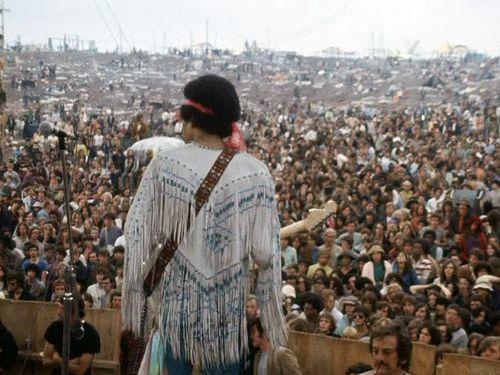 50 ans après #Woodstock, (re)plongez dans l'effervescence du célèbre festival grâce à ce superbe film de Michael Waleigh, qui a reçu l'Oscar du meilleur documentaire en 1970. > http://bit.ly/voir-woodstock