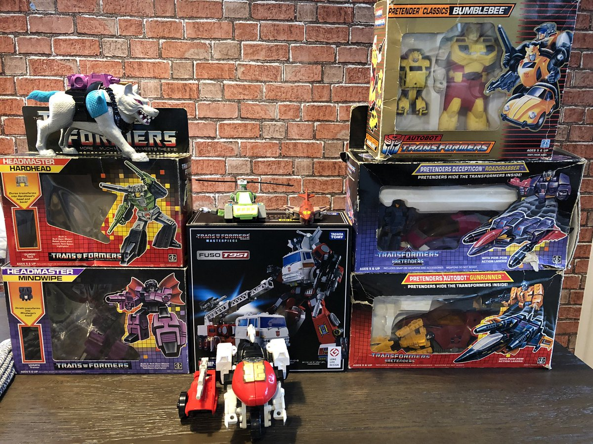 Round up of the robit haul, I like Pretenders.  Also got a crap ton of art from the forge, wanted to get more but ran out of cash :D