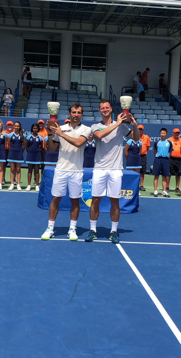 All smiles for Filip Polasek and Ivan Dodig   #CincyTennis<br>http://pic.twitter.com/3TuGB1kr7e