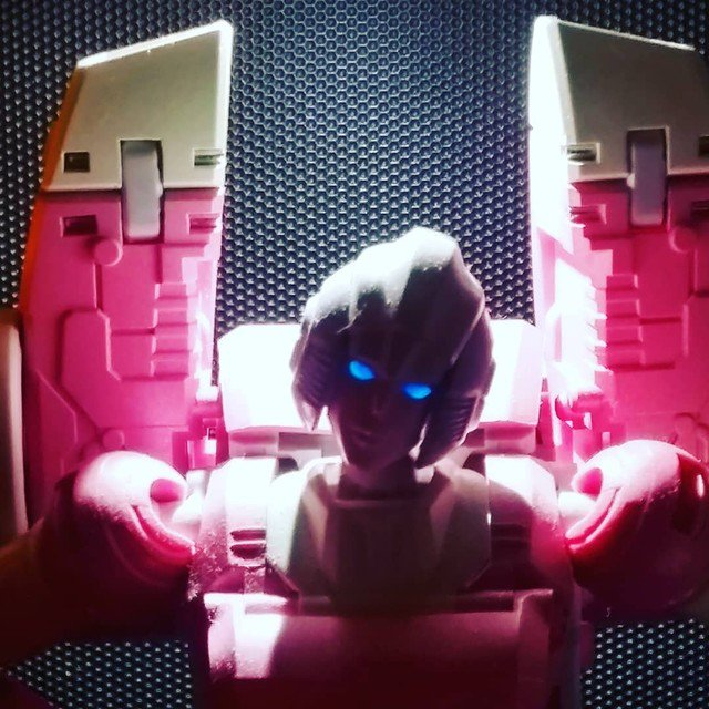 Reposting: @thecybertronians  -  #arcee #mptransformers #3rdparty #3rdpartytransformers #toygroup_alliance #toyphotography #transformandrollout #tfcollectorsgr #hasbro #headmasters #wreckers #cybertronian #bigbadtoystore #tfsource #acba #actionhero #toys4life #80stoys