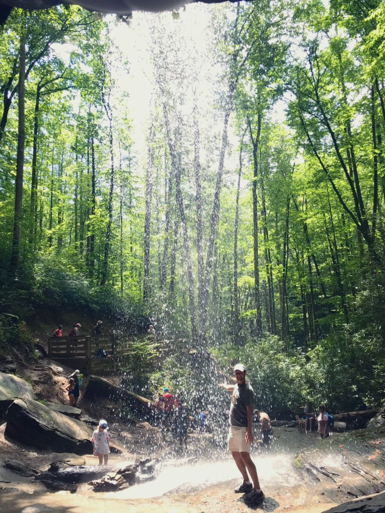 It's a beautiful world, don't you think @GregSchapker? #thegreatoutdoors #moorecovefalls #pisgahnationalforest #vacationover #untilnextyear <br>http://pic.twitter.com/Glfs5wrSXx – à Moore Cove Waterfall
