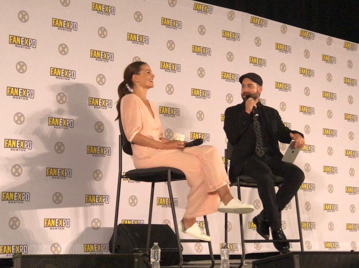 Fan Expo Boston On Twitter Once Upon A Time S Greatest Light Jenmorrisonlive Is So Bright And Funny At This Fanexpoboston Panel We Gotta Wear Shades Https T Co 1iqxtr8xt9