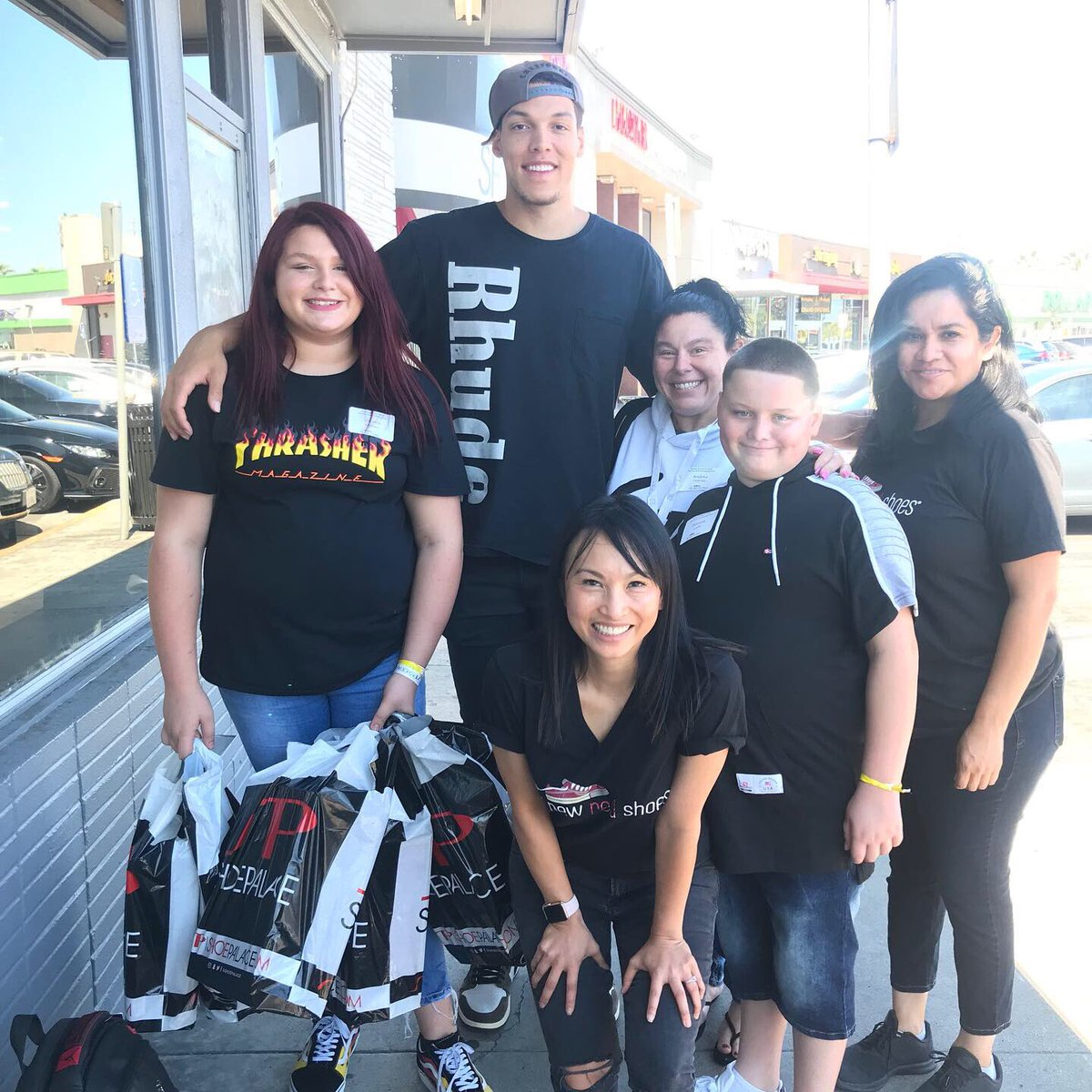 We were thrilled to host 25 struggling San Jose families at a back-to-school shopping spree today. Special thanks to @Double0AG and @ShoePalace for making this event possible! @minhtngo