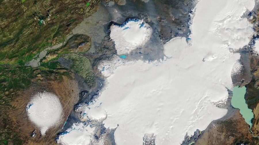 In Islanda il funerale al ghiacciaio scomparso htt...