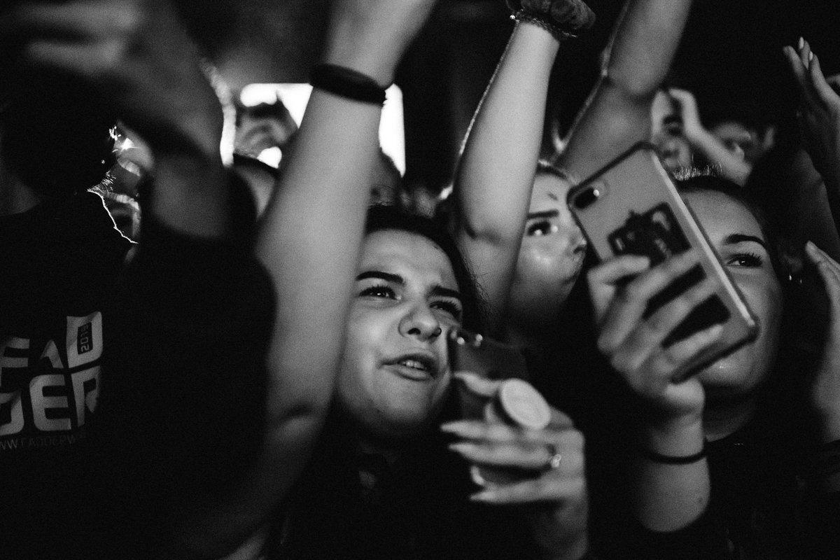 Ellie Goulding (@elliegoulding) on Twitter photo 2019-08-18 20:08:13