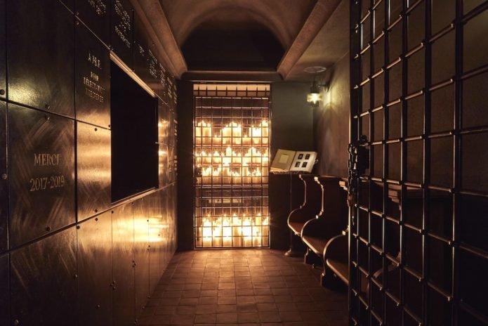 First Images: Paris Sacrilegious New Sinner Hotel #Paris #France #Marais #hotels #travel #nightlife #restaurants @ParisJeTaime @visitparisreg @parisparisguide @US_FranceFR @UK_FranceFR bbook.com/nightlife/firs…