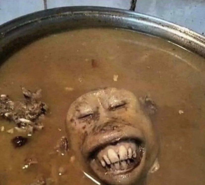 RT @Jayliodas: Me hiding in Jorja Smith toilet while she taking a shit https://t.co/L47zuRmmhY