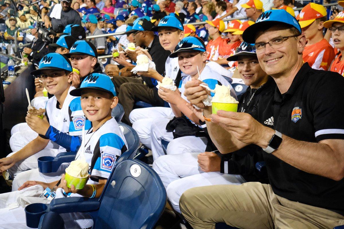 We took Team Northwest some ice cream tonight, because baseball and ice cream are we right? 🍦⚾️#LittleLeagueClassic | #LetsGoBucs