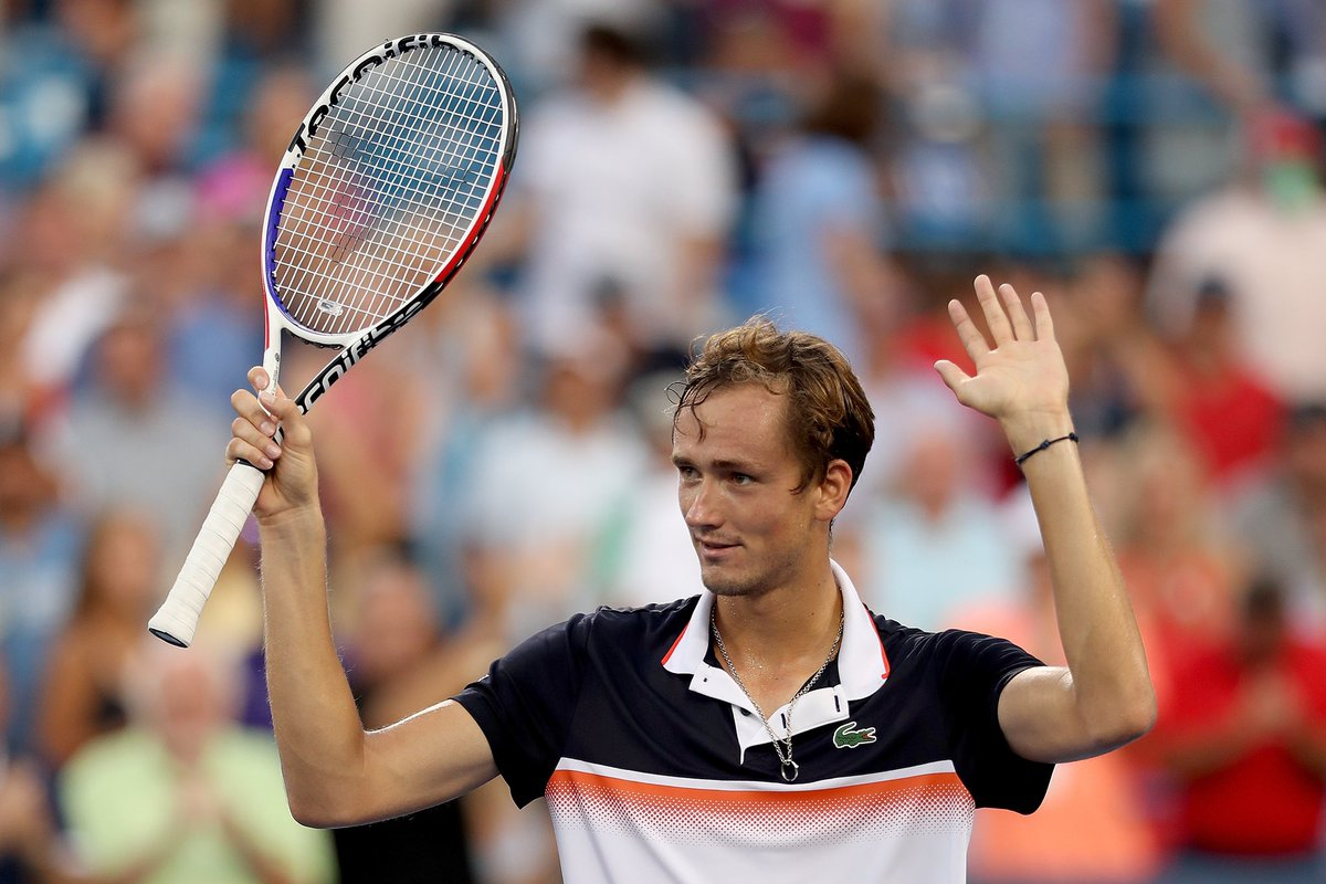 Medvedev Masters Cincinnati!   A marathon run of 18 matches in 20 days ends with the biggest  of his career.   Congrats, @DaniilMedwed! Now for a hard-earned lie down...   #CincyTennis #QueensTennis <br>http://pic.twitter.com/aHqYXuL0IE