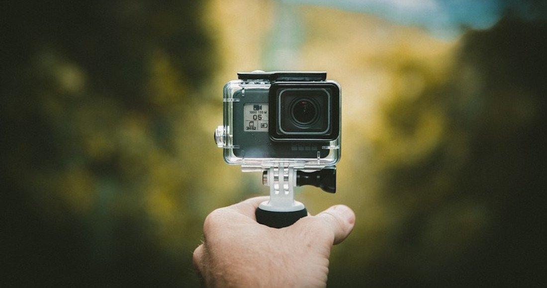Un youtuber encuentra en el agua la GoPro de un joven que murió ahogado hace dos años en EU http://bit.ly/2z4ZAQU