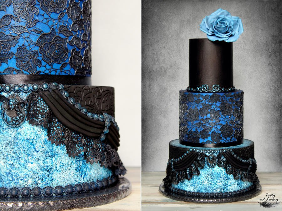 #Cake 🍰 Awesome of the Day: Black Lace & Blue Rose #Gothic Pièce Montée #Weddingcake 💍 via @CakesDecor #SamaCake