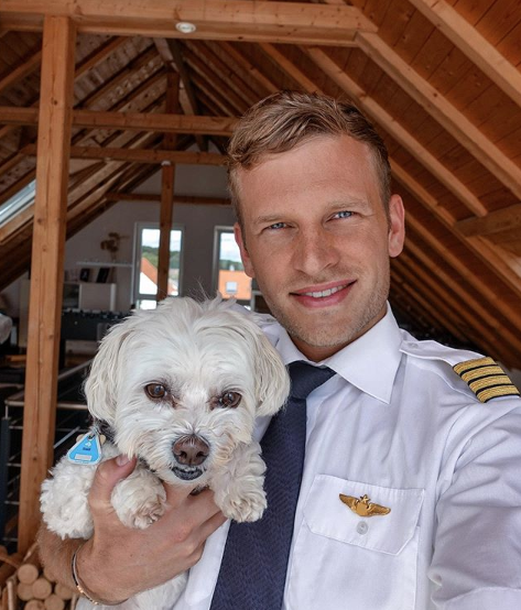 Last cuddles with the #familydog and then back to work  Are you team dog or cat? Filia told me she wants to join me on my upcoming flights Unfortunately, I'm not allowed to take her with me in the cockpit  #pilotpatrick #pilotlife #aviationdaily #instagood #instapilot <br>http://pic.twitter.com/xg4wAsKTH6
