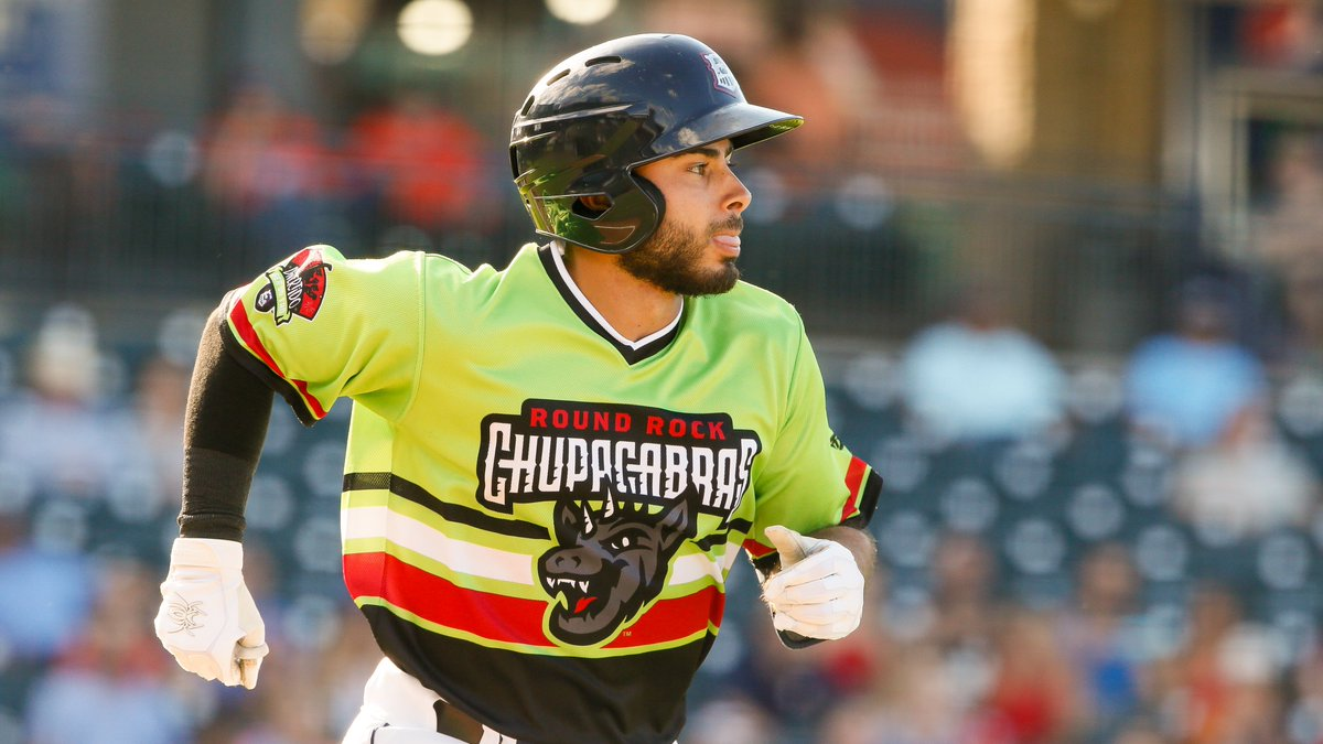 #RRChupacabras are on the board! Alex De Goti hustles home on a Jack Mayfield sacrifice fly to trim the deficit to 5-1 in the 3rd! <br>http://pic.twitter.com/Bf7tBJPduU
