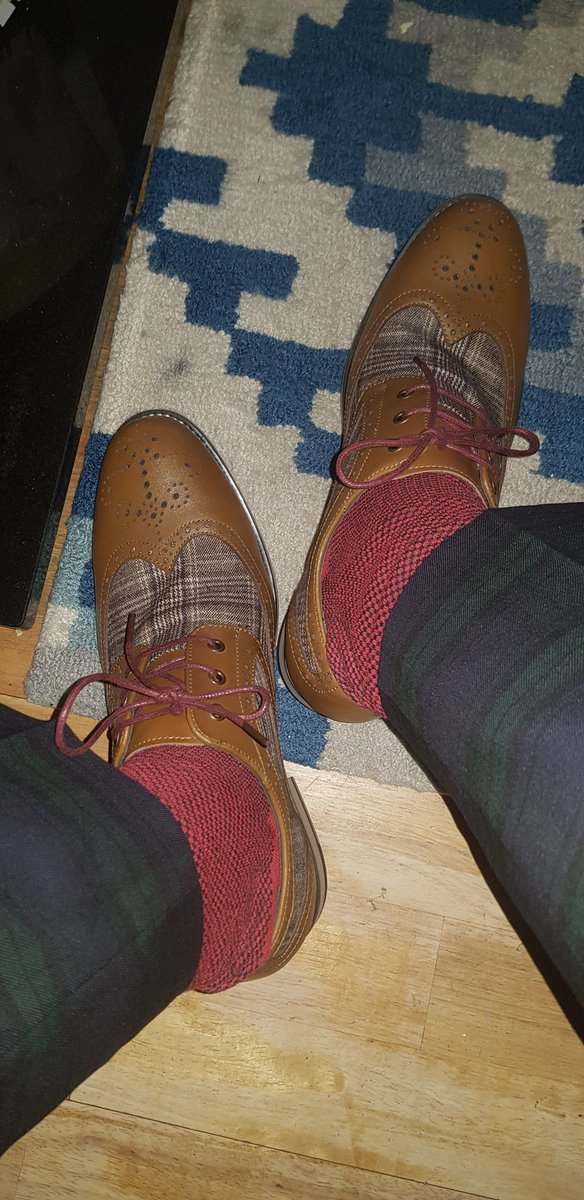 Today's #SockGame is strong.  Oh hell yes . And new shoes klaxon <br>http://pic.twitter.com/KtBsjrEBDx