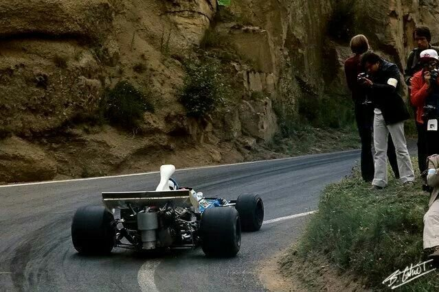 #NoTrackLimitPenalty Chris Amon in his Matra MS120D at Clermont-Ferrand. #F1 1972 #FrenchGP (Photo: Bernard Cahier @F1Photo)