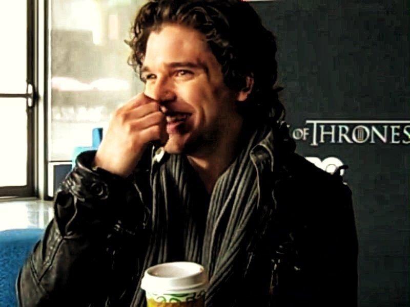coffee break time without Caffeine #KitHarington <br>http://pic.twitter.com/TT9ZMpzCB4