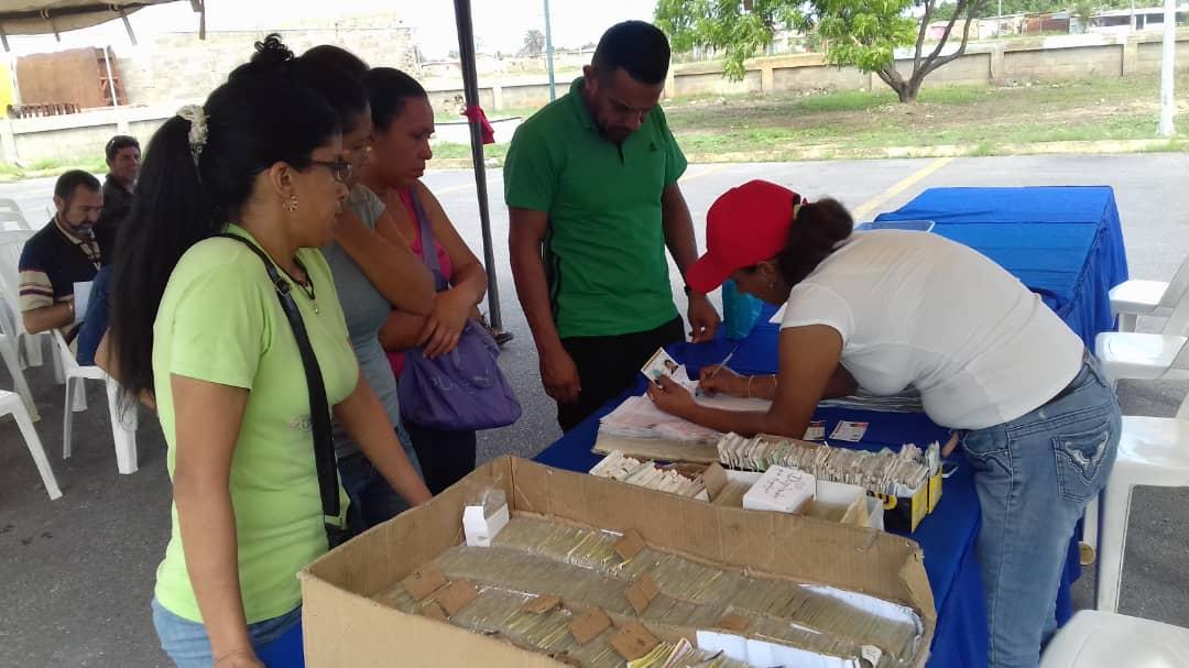 #Enterate || Más de 280 documentos entre cédulas de identidad, pasaportes y prórrogas, fueron entregados este domingo #18Ago por el Saime en el cierre del Plan Cayapa en el estado Sucre.   ¡Seguimos trabajando para garantizar la identidad de todos los venezolanos!