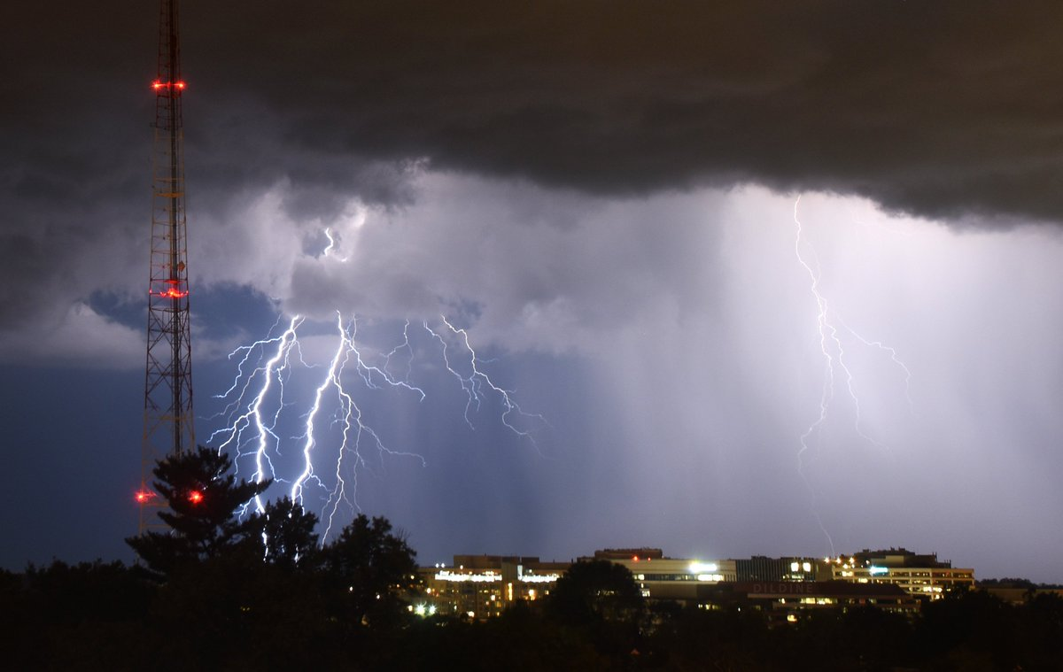One of many #lightning shots from this evening #DCWX <br>http://pic.twitter.com/SmUzM3XXWz