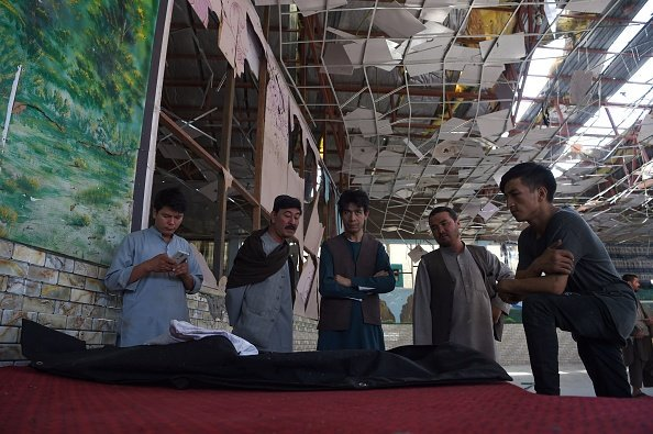 Islamic State claims bombing at Kabul wedding that killed 63 bit.ly/2z6m83V