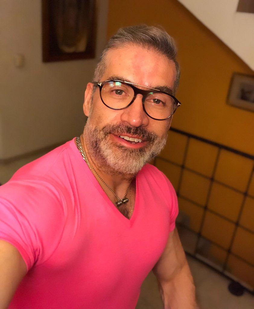The Sunday Selfie! #vamospormas#trabajoconresultados #muscleandhealth #bigmuscles #bodybuilding #bodybuilder #PepeOliva #gains<br>http://pic.twitter.com/P5y74FT2Uf