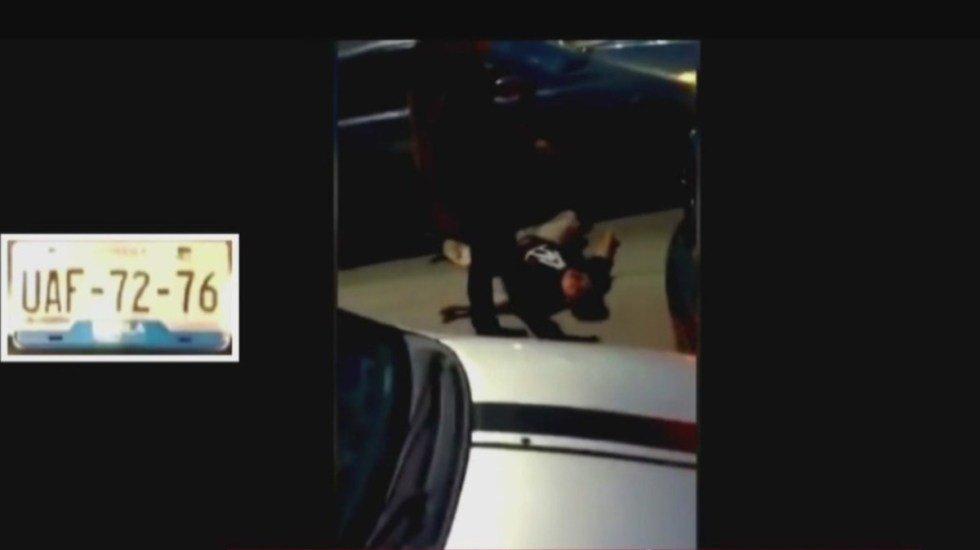 Así la violencia en Puebla. Hombre resultó gravemente herido tras ser golpeado y luego atropellado por otro conductor. Todo por un percance vial. IMÁGENES MUY FUERTES. SE RECOMIENDA DISCRECIÓN (VIDEO) http://bit.ly/31KeVCK
