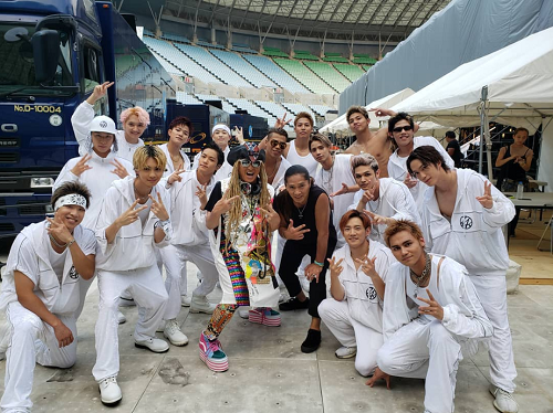 DJ KOOさんが🎤『a-nation 2019』のメモリーフォトをアップ❕😎🤞🏻📸💙THE RAMPAGE from EXILE TRIBE🎧の皆さんと圧巻の集合写真ですね❕😆👏🏻🔥✨「いつ会ってもナイス過ぎるランペ!!」✨#DJKOO #THERAMPAGE @DJKOO_official @therampagefextブログはこちら⬇️