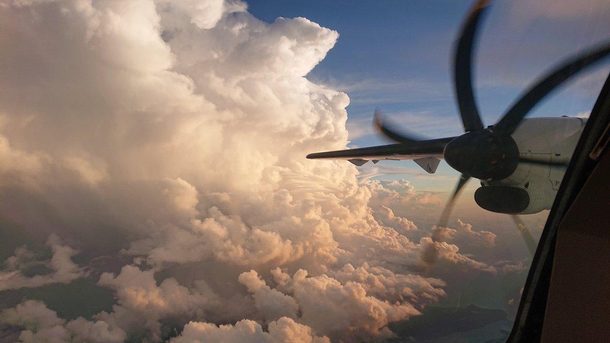 Le vol en ATR aux Antilles pendant la période cyclonique, ou l'art de l'évitement au niveau 200
