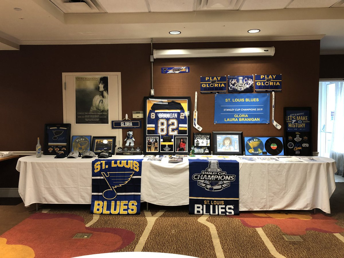 """Now to catch up on posting pics from LB """"Spirit Of Love"""" 2019...Presenting our NEWEST addition to our Laura Branigan archive collection...The display commemorating the now-forever bond between the @StLouisBlues & """"Gloria!"""""""