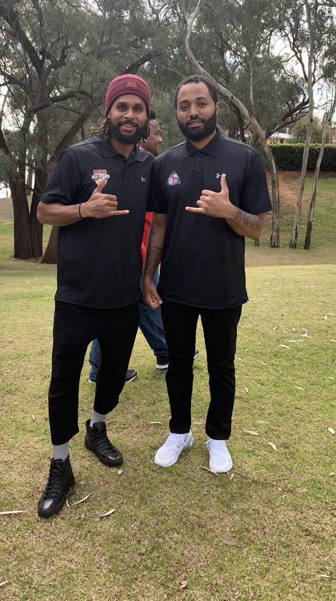 Hawaiian X Torres Strait Islander much love and respect to this legend for the example and hope he's providing to indigenous hoopers all over the world 🤙🏽🤙🏽🤙🏽🤙🏽.