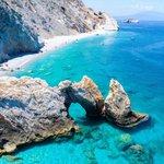 Image for the Tweet beginning: Skiathos, Greece: Bar and Beach