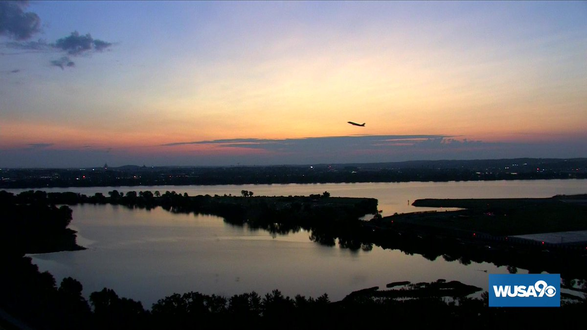 Nice color to start the week in DC.  Make it a great Monday for you and those around you!  #wusa9weather #GetUpDC<br>http://pic.twitter.com/p2tHJURsiI