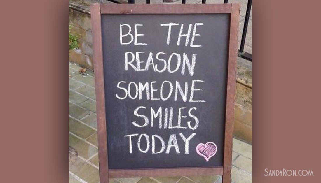 """""""Be the reason someone smiles today.""""  #MotivationalQuote #SuccessTip<br>http://pic.twitter.com/eMVZ9FcO3x"""