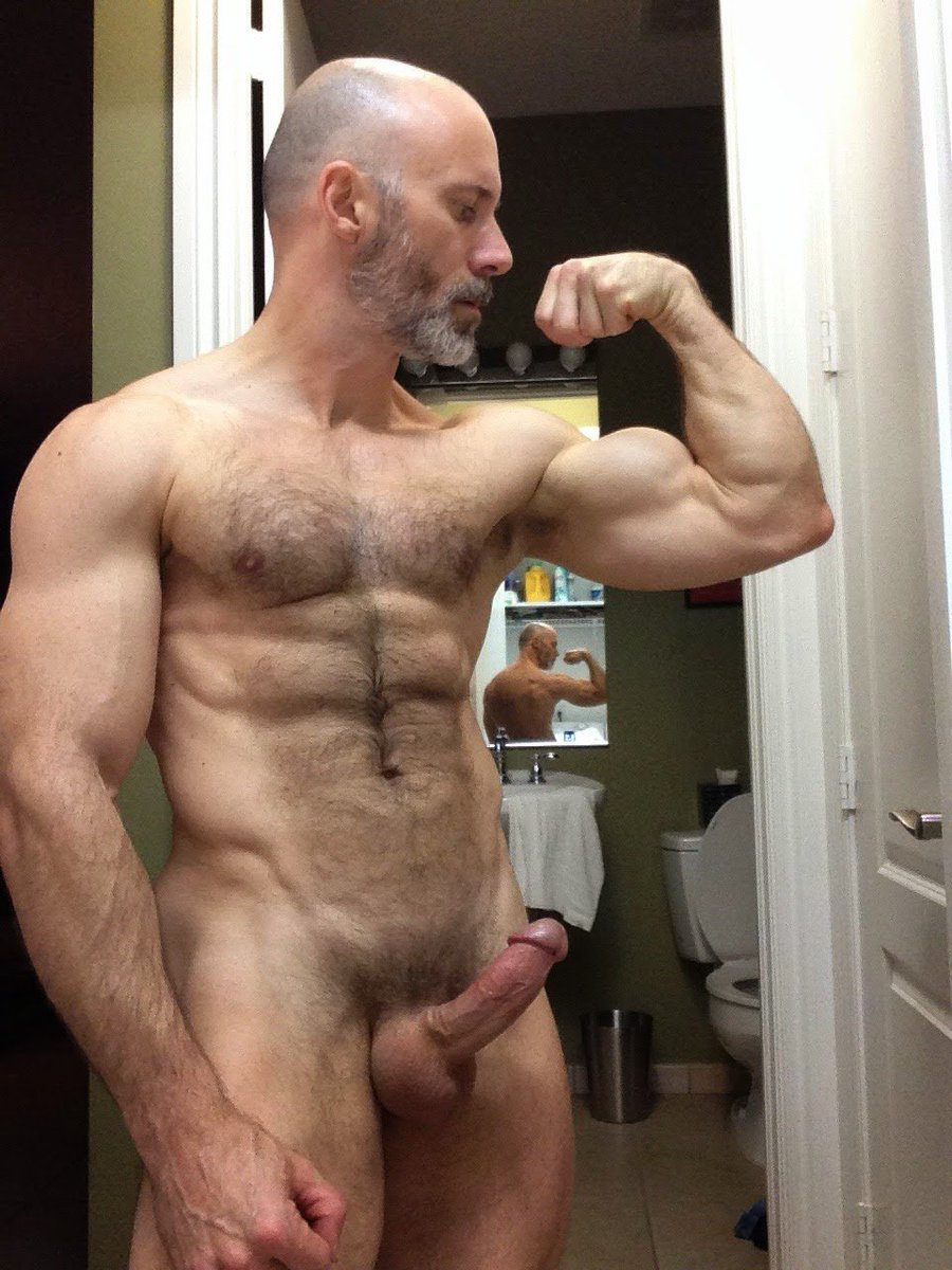 Muscle Daddy Flex