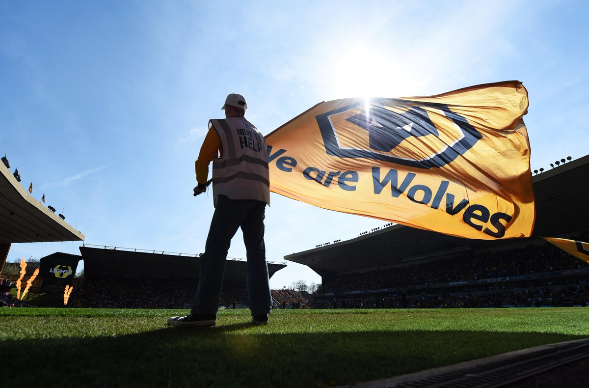 @premierleague's photo on Molineux