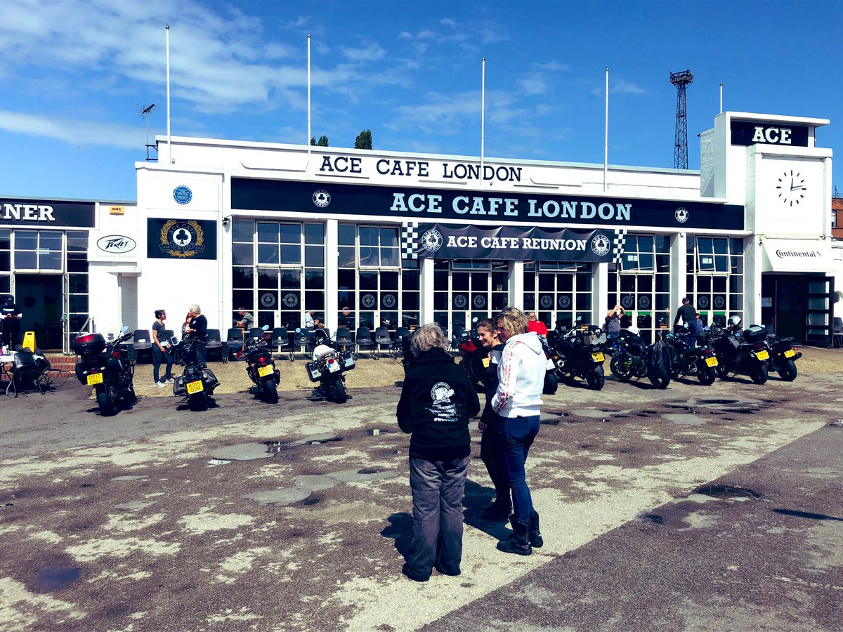 #happymonday everyone!! @acecafelondon Great day yesterday!<br>http://pic.twitter.com/CzQ6bUxEZ8