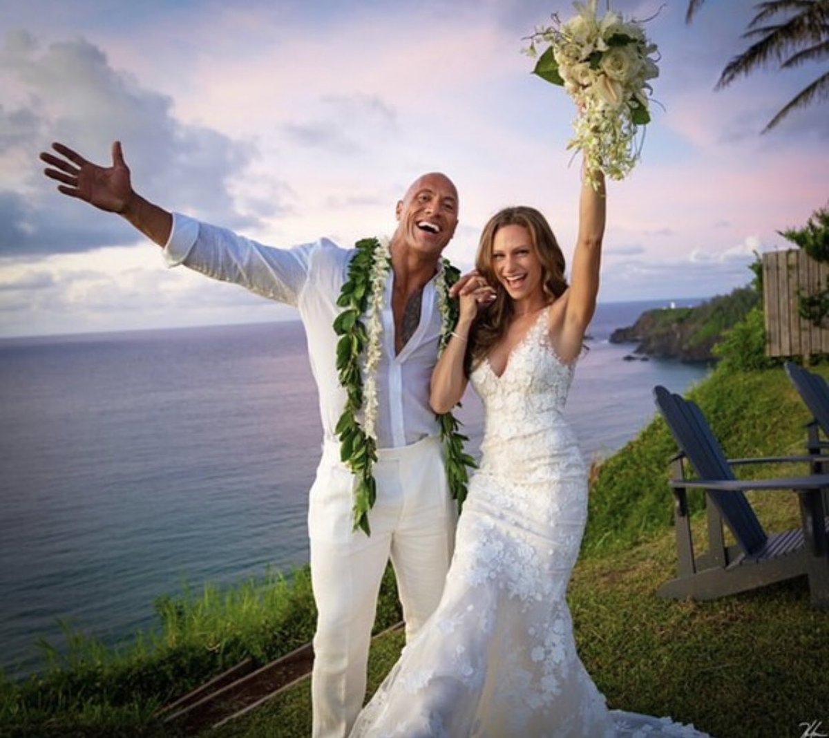 ¡Felicidades! Congrats to #TheRock and Lauren Hashian! The couple got married in Hawaii yesterday.  [: @hhgarcia41]<br>http://pic.twitter.com/exaJn8DNv2