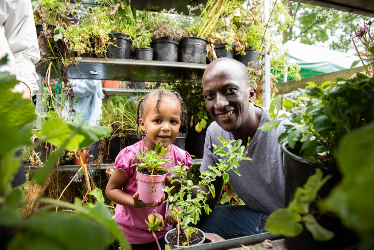 Last month we celebrated London becoming the world's first #NationalParkCity with the #NationalParkCity Festival! 🌱🐝🏊♀️🎭🌻🚣♀️🦇🌳 A big thank you to everyone who hosted events, volunteered & joined in. See what happened in our festival highlights film: youtu.be/WE6-K0R1qs0